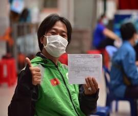 Hôm nay, TP.HCM đồng loạt tiêm vaccine cho shipper