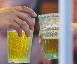 Dùng dao xử bạn nhậu vì chuyện uống bia không đều