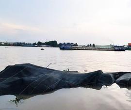 Chủ sà lan có phải bồi thường cho bè cá bị đâm chìm?