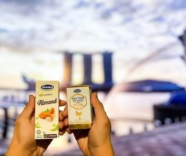 Sữa tươi chứa tổ yến Vinamilk lần đầu xuất sang Singapore