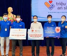 MobiFone tặng 1.000 túi quà an sinh cho người dân hoàn cảnh khó khăn
