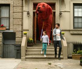 'Clifford The Big Red Dog' tung trailer đáng yêu về chú chó đỏ