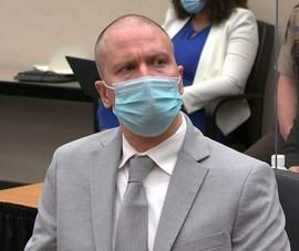 Cựu cảnh sát da trắng ghè cổ ông Floyd bị kết án 22 năm rưỡi tù