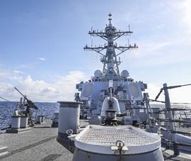 Tàu khu trục Mỹ thực thi tự do hàng hải gần quần đảo Trường Sa