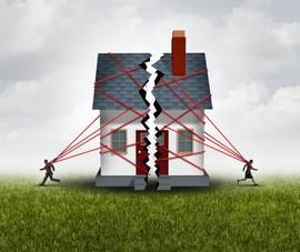 Nhà được bố mẹ chồng cho, khi ly hôn có phải chia đôi?