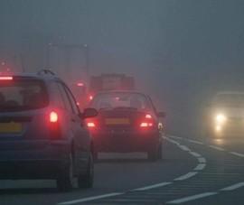 Bật đèn khẩn cấp tùy tiện để đỗ xe nơi có biển cấm, xử phạt ra sao?