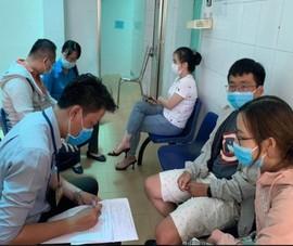 TP.HCM: Đường dây nóng các trung tâm y tế 'cháy máy'