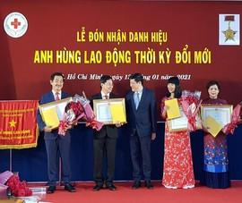 Bệnh viện Nhân dân 115 đón nhận danh hiệu Anh hùng lao động