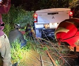 Ô tô lao xuống vực ở núi Sơn Trà, đôi nam nữ thoát nạn