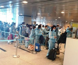 Mở các đường bay đưa người Việt 'mắc kẹt' ở nước ngoài về nước