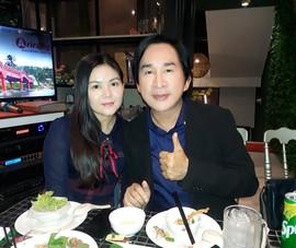 Nghệ sĩ quy tụ ở kịch Idecaf mừng thành công của Tiên Nga