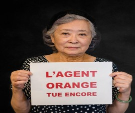 Bà Trần Tố Nga đại diện cho nạn nhân dioxin ra tòa tại Pháp