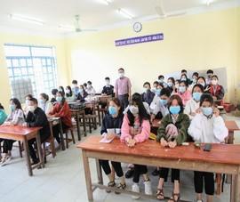 Ngày đầu Ninh Thuận cho học sinh đi học sau kỳ nghỉ do dịch