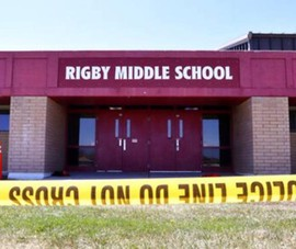 Nóng: Học trò nữ lớp 6 cầm súng vào trường bắn nhiều bạn học