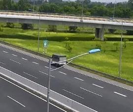 Phạt nữ tài xế lái xe tải chạy lùi trên cao tốc 17 triệu đồng