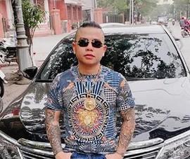 2 người nổ súng vào xe chở 'thánh chửi' Dương Minh Tuyền