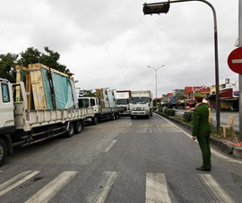 Hải Phòng: Cho xe tải qua chốt quốc lộ 5 nhưng kiểm soát chặt