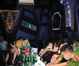 Kiểm điểm lãnh đạo 3 quận huyện vì karaoke hoạt động bất chấp lệnh cấm
