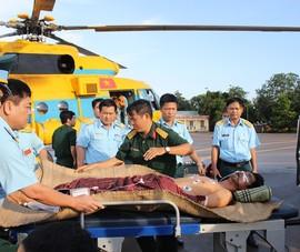 Ngư dân được đưa từ Trường Sa về cấp cứu tiên lượng xấu