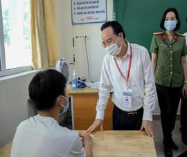 Bộ trưởng Nhạ: 'Dù hoàn cảnh nào cũng phải thi nghiêm túc'