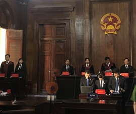 Tòa chấn chỉnh việc vắng mặt của luật sư tại phiên xử đại án