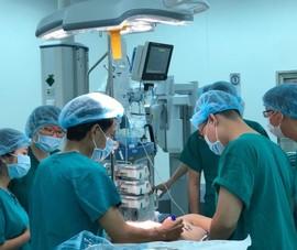 Bệnh viện Chợ Rẫy phẫu thuật hàng trăm ca bằng robot