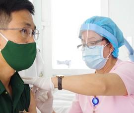 Tiêm vaccine cho lực lượng biên phòng bảo vệ biên giới Tây Nam