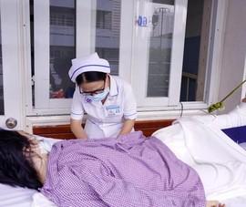 Cô gái níu kẻ giật điện thoại ở gần Hàng Xanh bị gãy xương đùi