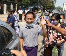 Chính quyền quân sự hoãn xét xử bà Suu Kyi