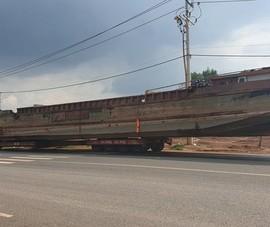 Xe chở thuyền dài 28 m khiến đèo Bảo Lộc ách tắc
