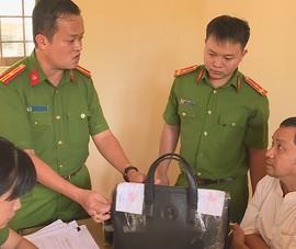 Khởi tố 1 thanh tra Sở Nội vụ Đắk Lắk tội nhận hối lộ