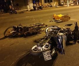 Bình Dương: 2 mô tô tông nhau, 5 người thương vong