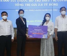 Quỹ từ thiện Kim Oanh tặng 5.000 túi thuốc điều trị COVID-19 cho Bình Dương