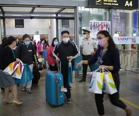 Những hành khách đầu tiên bay tới Đà Nẵng trong năm mới