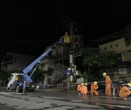 Hôm nay, 100% người dân miền Trung-Tây Nguyên được cấp điện trở lại sau bão số 5