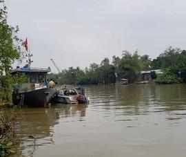 Nỗ lực tìm Đại úy CSGT mất tích trên sông khi tuần tra