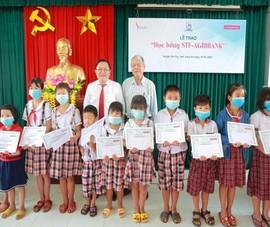Nhiều học sinh Long An được tiếp sức đến trường