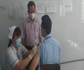Vĩnh Long: Bắt đầu tiêm vaccine phòng COVID-19