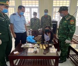 1 phụ nữ nghi vận chuyển 5 kg vàng lậu vào Việt Nam