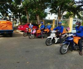 Đồng Tháp: Đội 'Shipper áo xanh' giúp người dân ở khu phong tỏa đi chợ