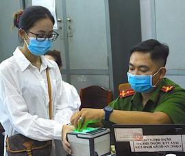 Ngày đầu cấp CCCD cho người dân tạm trú ở TP.HCM