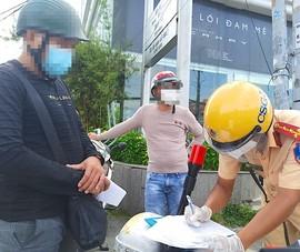 Nhân viên bất động sản bị CSGT phạt 2 triệu vì ra đường không cần thiết