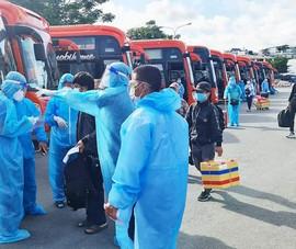 Nên cho xe khách đưa người dân từ TP.HCM về quê