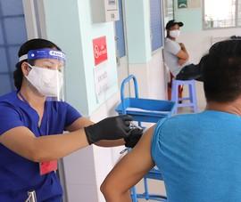 Người dân gặp khó khi cập nhật thông tin tiêm chủng
