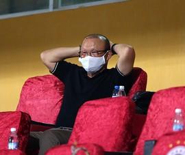 Để ông Park không mệt mỏi hơn...