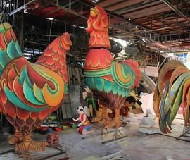 Đại gia đình gà sẵn sàng xuống phố đi bộ Nguyễn Huệ