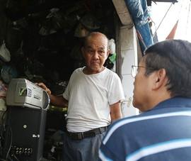 Người đàn ông hồi sinh những thiết bị cũ ở Sài Gòn