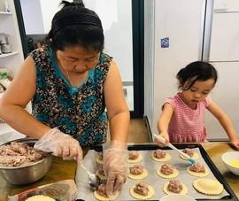Bếp nhà san sẻ yêu thương đến tuyến đầu chống dịch và các bệnh nhi