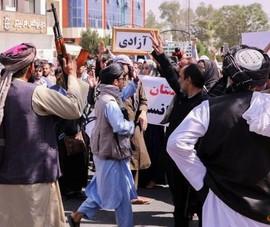 LHQ: Phản ứng của Taliban đối với các cuộc tuần hành hòa bình ngày càng bạo lực