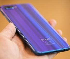 Mẫu smartphone với mặt lưng đổi màu có doanh số ấn tượng